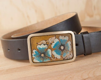 Colorful Belt Buckle - Flowers in Turquoise and Antique brown leather inlay in Bronze Buckle - Belle Pattern