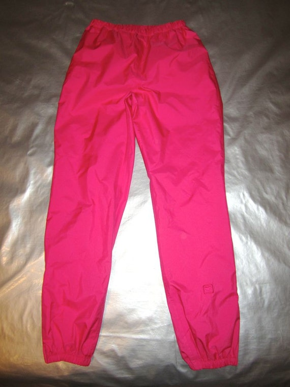 Shop the best selection of women's ski pants and bibs at imaginary-7mbh1j.cf, Women's Ski Pants & Bibs. Filters Results. beige black blue brown gray green orange pink purple red white yellow. Seams. Fully Sealed Critical Seams Sealed Not Taped. Insulation.
