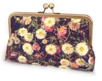 Daisy clutch bag, silk purse, white flowers, wedding bag, bridesmaid gift, DAISIES