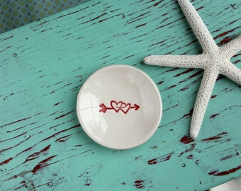Red Hearts with Arrow on Mini Round Dish
