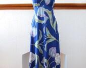 vintage 1970s / deep v / floral maxi dress / blue / summer dress / novelty print / boho / over size print