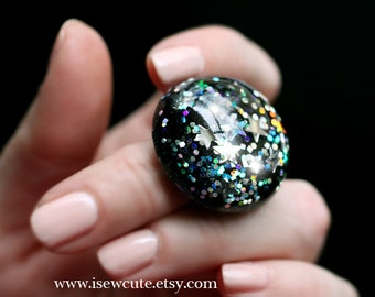 new year's eve midnight in Times Square ring ...big resin dome handcrafted glitter holiday jewelry by isewcute
