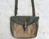 vintage c. 1940s two-tone canvas field bag