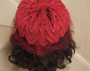 1960s Jackie O Chenille Fascinator Pillbox Hat with Netting Fuchia Pink Red