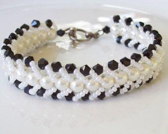 Black white beaded bracelet , Glass pearl bracelet , Woven bracelet , Flat spiral bracelet , Crystal and pearl bracelet , Beadwork bracelet