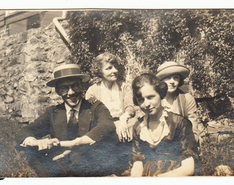 Roaring 20s Fashion vintage photo Straw Hat Man Pretty Woman Dress 1923 Atlanta GA