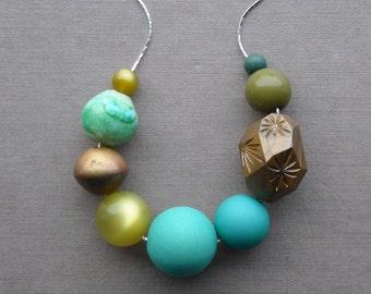 salted rim - necklace - vintage lucite