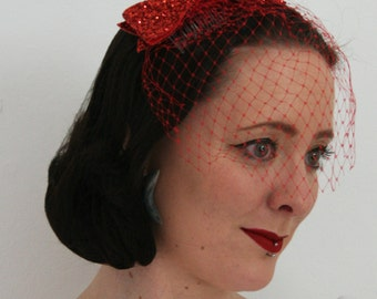 Glittery Red bow with veil - Bridesmaid hair accessory - Rock and roll bride veil - Gliter bow hair accessory  - Alternative Bridal Veil