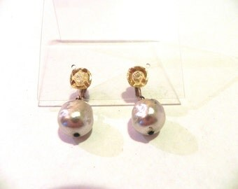 Vintage Earrings 40s 50s Gold Glass Bead and Pearl Drop Earrings - on sale