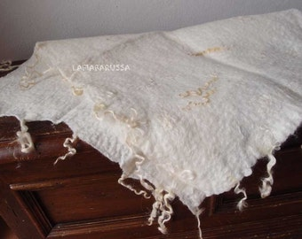 white cream Posing Blanket, newborn props, fur rug, basket filler, nest wool fluff, felt newborn photography props