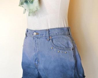 Lilac Size 10 Levi's 550 Denim SHORTS - Ombre Dyed Pink Blue Denim High Waist Levi's Cut Off Studded Shorts - Adult Womens Sz 10 (28 Waist)