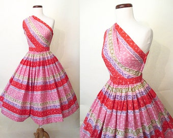 "Adorable 1950's Designer Cotton Print One Shoulder Sundress New Look w/ Matching Belt by ""Sue Mason Jr. Saba CA"" Rockabilly VLV Size-Small"