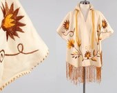 Vintage 60s cream wool MEXICAN embroidered poncho / Knotted fringe / Perfect fall BOHO pullover
