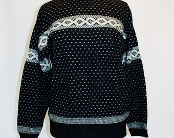 1990s Pierre Cardin Sweater Small Medium Vintage REtro 90s Black White Gray Winter Nordic Italy Shetland Wool Blend Celtic