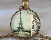 Souvenir de Paris pendant, Paris necklace, Paris jewelry, travel jewelry, Eiffel Tower necklace Paris key chain key fob