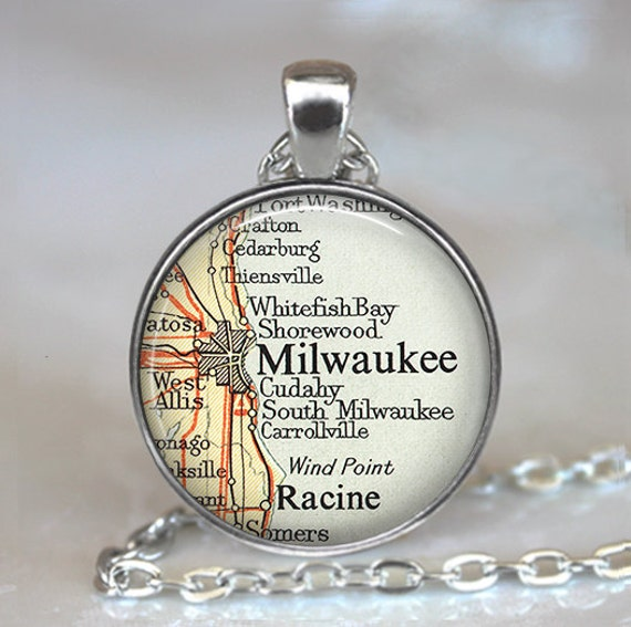 Milwaukee, Wisconsin map pendant, Milwaukee necklace, Milwaukee pendant, map jewelry, keychain key chain key fob