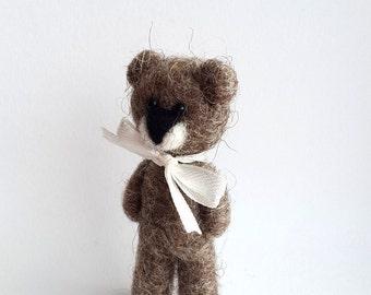 Bear Jewelry, Needle Felted Cute Bear Brooch, Eco Wool Felted Woodland Animal