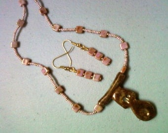 Mauve, Brown and Gold Necklace and Earrings (0572)