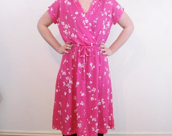 Vintage MAGENTA Floral Spring Dress // 1970s Plus Size Surplice Bodice Stretch Dress // Day Dress Office Fashion // By Tabby of California