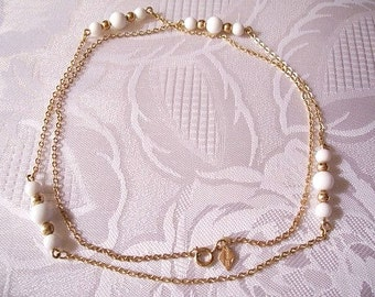 White Bead Necklace Link Chain Gold Tone Vintage Sarah Coventry Small Round Spacer Beads Hangtag Spring Clasp 29 Inches Long