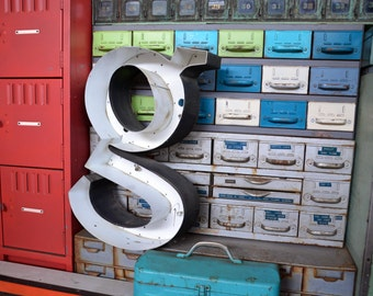 Vintage Marquee Sign Letter Lowercase 'G': Large Black & White Metal Wall Hanging Initial, Curvy Font - Industrial Neon Channel Advertising