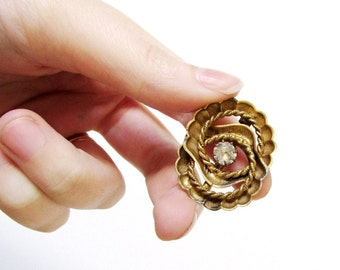 Antique Nautical Shell and Twisted Wire Brass Pin with Glass Paste Stone