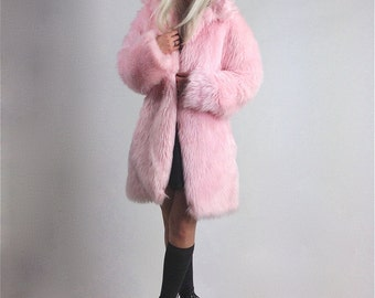 90's Pastel Pink Plush Shaggy Faux Fur Coat // M