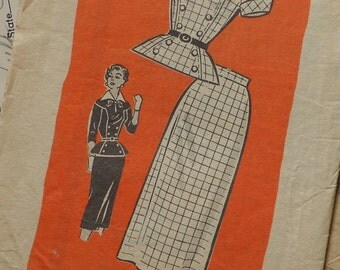 Chic 1950s Sewing Pattern / Fitted Peplum Blouse Top and Slim Wiggle Skirt / SUIT / Size 16