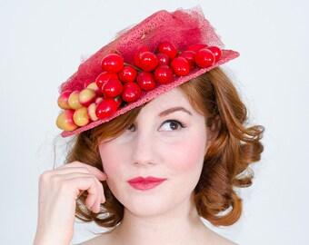 1940s vintage hat / tilt hat / Cherry Medley