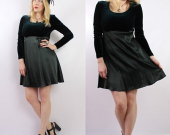 Vintage - 90s - Dark Green - Stretch Velvet & Satin - Long Sleeve - Short - Babydoll Dress - Grunge Revival