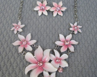 Seven Soft Pink and Dancing White Flowers Necklace Set with Clip On Earrings