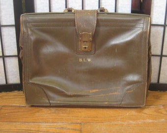 Vintage 1940s 1950s Briefcase Brown Leather Carry On Suitcase Lawyers Bag Filing Paperwork Accounting Case Satchel