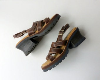90s Strappy Chunky Heel Sandals Woven Buckle Barefoot Brown Vegan Leather Open Toe Boho Hippie Grunge Festival / Sz 6 Euro 36 37 UK 4