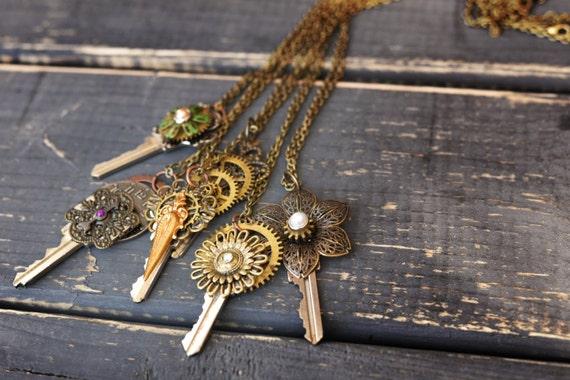 Vintage Key Steampunk Necklace Vintage Steampunk Gear Necklace Steampunk Key Pendant Necklace Steampunk Gear Jewelry Steampunk Key Jewelry