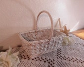 Wedding Flower Girl Basket White Shabby Chic Rustic Wicker Centerpiece Decoration Romantic Cottage Lovely Gift Easter Spring Summer French