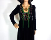 Beautiful 70s QUAD Black Velvet Maxi Dress With Paisley Folk Embroidered Bodice
