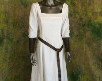 Linen Renaissance Viking Dress--- Your Choice of Color---  Simple Dress, Medieval Gown, Scottish, Norse, Belt, Bracers, Linen Dress