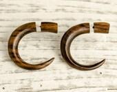 Earrings Fake Gauge Earrings Wooden Hook Talon Tribal Earrings - Gauges Plugs Bone Horn - FG008 W G2