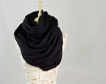 Black Chunky Infinity Scarf, Oversized Scarf, Chunky Scarf  Large Cowl Hooded Scarf Black Scarf Winter Infinity Scarf Gift for Her Wife Gift
