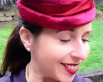 Vintage 1950s Rose Red Velvet Satin Hat