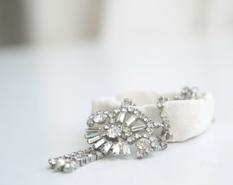 Rhinestone Choker - Dangle, Drop Pendent. // Formal Cocktail Necklace. Old Hollywood Regency.Art Deco Bridal Jewelry.