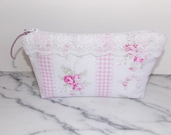 Shabby Chic Zipper Pouch - Lace - Vintage Look - Pink - White