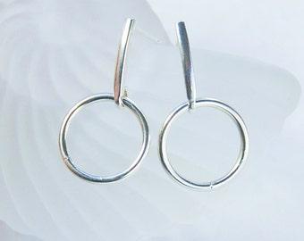 Silver Circle Earrings | Post Earrings  |  Minimalist Jewelry  |  Lightweight
