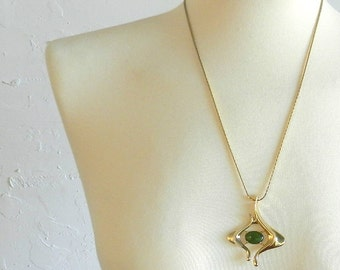 70's BOHO CHIC NECKLACE - Hippie / Gold / Green / Jade / Long / Pendant / One of a Kind