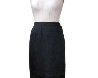 vintage 1950s bow tie pencil skirt / black / wool / wiggle skirt / mad men / pinup bombshell rockabilly / women's vintage skirt / size small