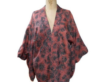 vintage silk haori kimono jacket / short robe / abstract floral print / loungewear / women's vintage lingerie / vintage robe / size large