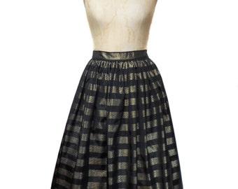 vintage metallic stripe full skirt / 1980s does 1950s / black gold / 50s 60s style skirt / taffeta / women's vintage skirt / size medium