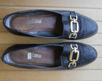 Black leather low heel shoes Size 5.5