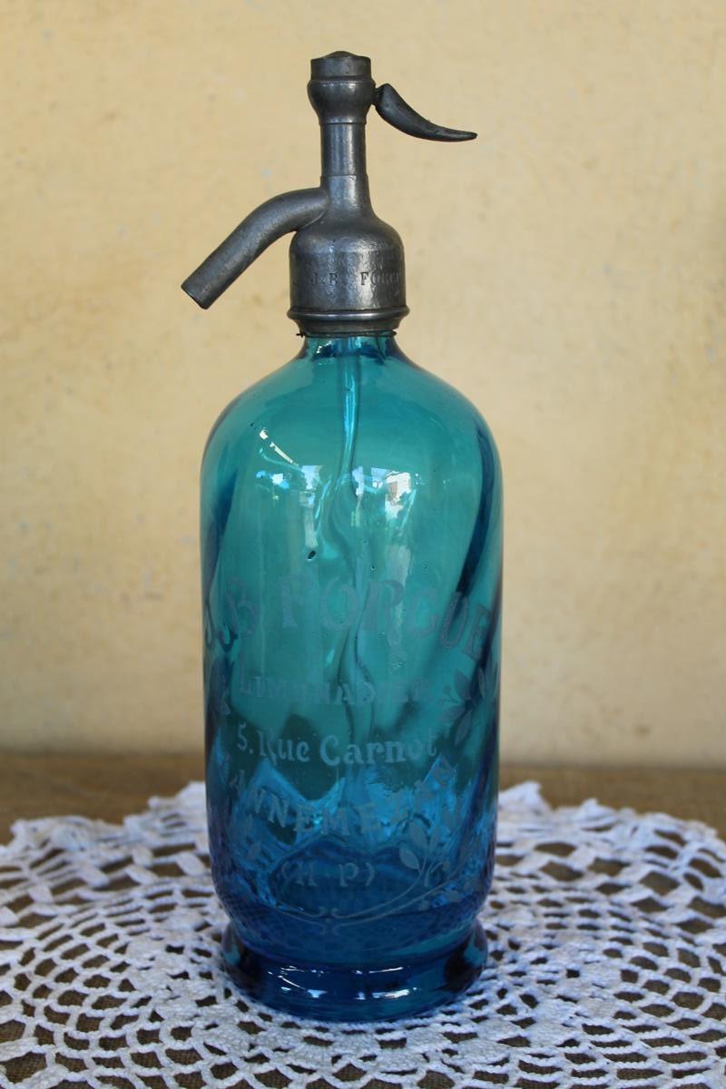 ancienne bouteille bleue d 39 eau de seltz. Black Bedroom Furniture Sets. Home Design Ideas