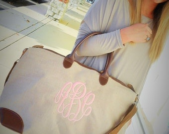 Jute Weekender Bag Monogram Font Shown MASTER CIRCLE in Pink